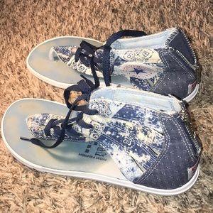 Cute Converse Jean Sandals !